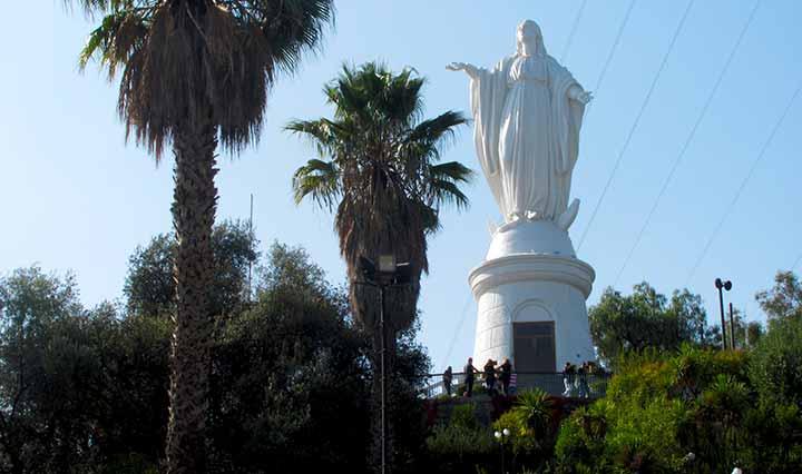 Statue Santiago de Chile