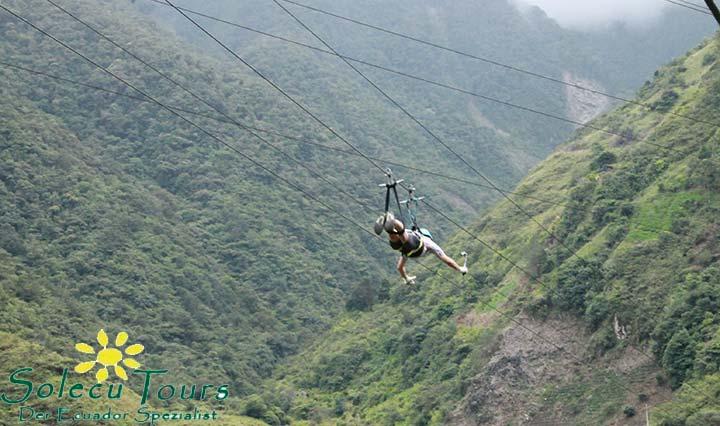 Fahrt mit der Seilbahn über die Schlucht bei Baños