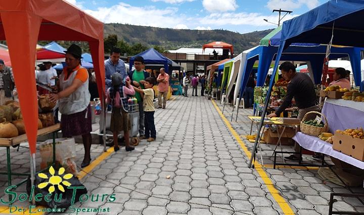 Marktstände in Patate, Ecuador