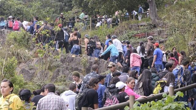 Ostern: Prozesion auf dem Monserrate in Bogota, Kolumbien