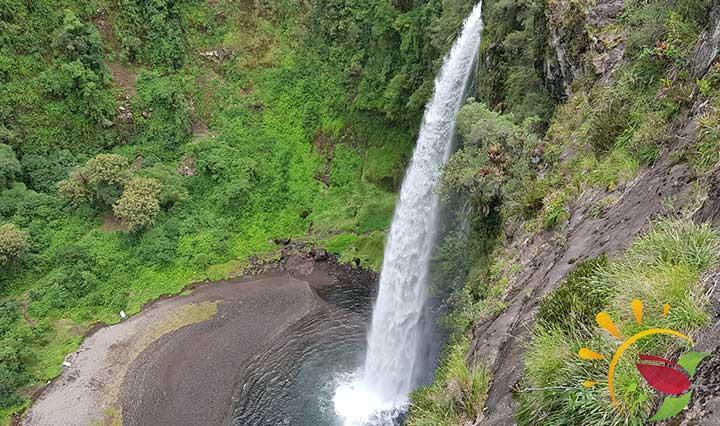 Wasserfall Condor Machay in der Nähe von Sangolquí