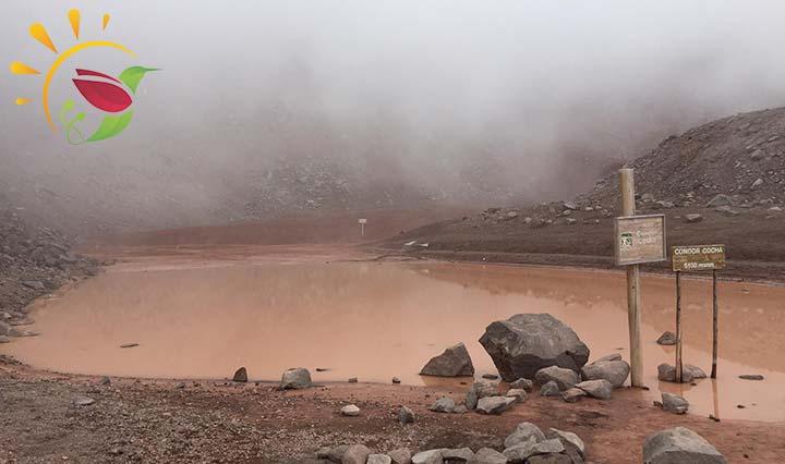 Lagune Condor Cocha auf dem Vulkan Chimborazo in Ecuador