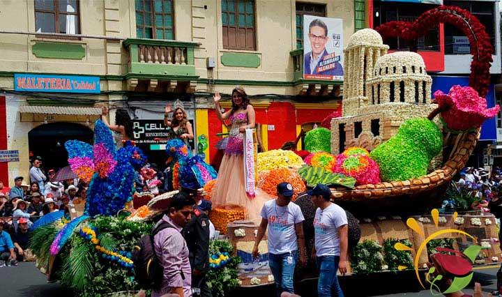 Umzugswagen in Ecuador an Karnveval