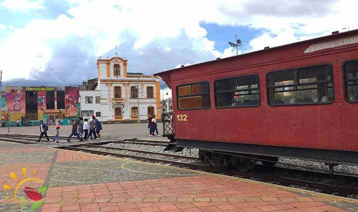 Zug im Bahnhof von Riobamba