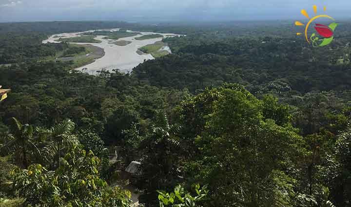 Mirador del Indichuris in Puyo, Ecuador