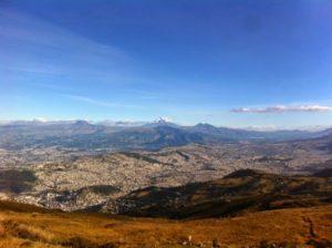 Ecuador Highlight: Fantastischer Blick auf Quito und die umliegenden Vulkane