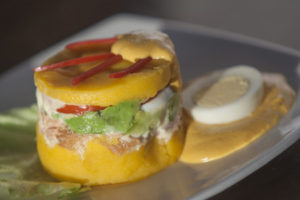 Peruanische Spezialität: Causa Limeña, Lima, Gastronomie
