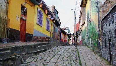 Bogota bunte Häuser in Gasse